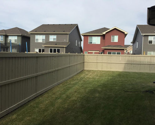 exterior-fence-painting calgary