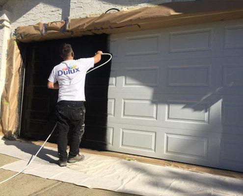 garage-doors-painting